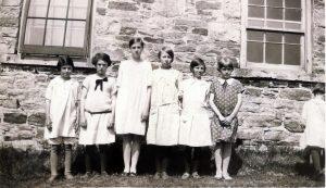 Howard School L-r Jean Hudson Hill, Helen Hudson Davison; unk Digital Hudson.tif