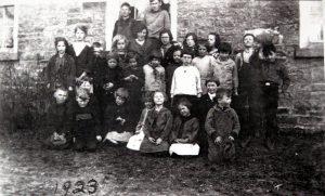 Yonge Mills School Class or 1923 SF10#3