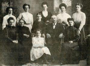 kinch-st-kinch-family-taken-in-1909-2