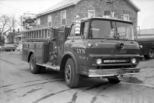 lyn-fire-truck-1971-rt-digital